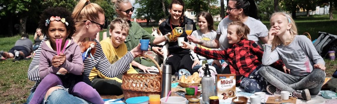 Na Férové snídani na podporu udržitelného pěstování se sešlo po celé ČR přes osm tisíc lidí